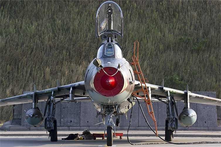Việt Nam bắt đầu nhận được số lượng nhỏ Su-22M/UM trong năm 1979
