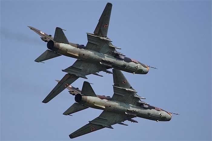 Hiện tại Không quân Việt Nam đang có một số phiên bản như Su-22M, Su-22UM3K và Su-22M4, hiện đại nhất là M4 được trang bị hệ thống ngắm quang học Klen-54 trong chóp mũi