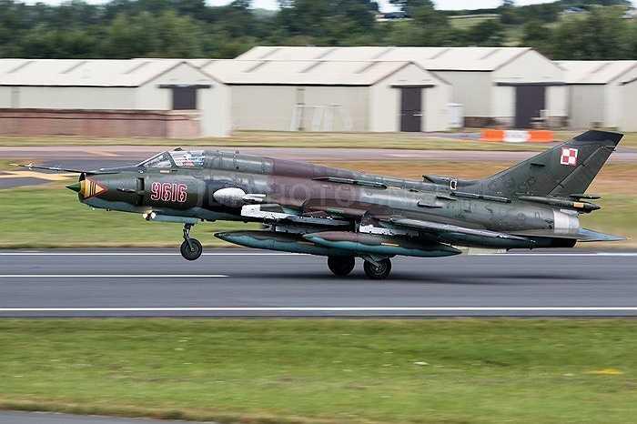 Trong đó, có thể nói, Su-22 là một trong những chiến đấu cơ hiện đại nhất được trang bị trong không quân ta thời điểm cuối những năm 1970