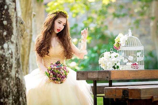 Nói về con gái cưng, Elly Trần chia sẻ cô bé rất ngoan, phát triển tốt và cũng là động lực không hề nhỏ cho cô trong cuộc sống lẫn công việc.