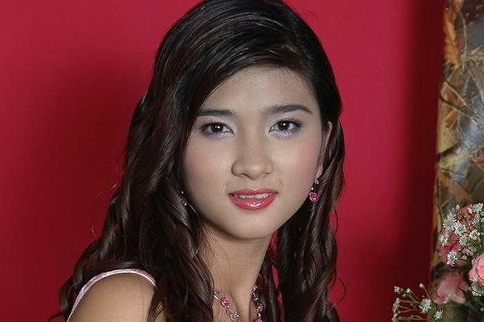 Kim Tuyến chia sẻ hiện tại dành toàn bộ sự quan tâm cho cô con gái và tập trung vào phát triển sự nghiệp.