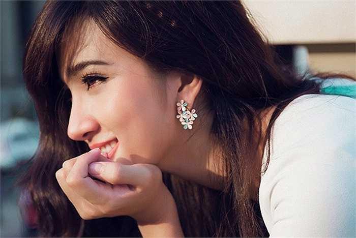 Hình ảnh mới đây nhất của Kim Tuyến làm cho nhiều người ngỡ ngàng với vẻ đẹp của cô.