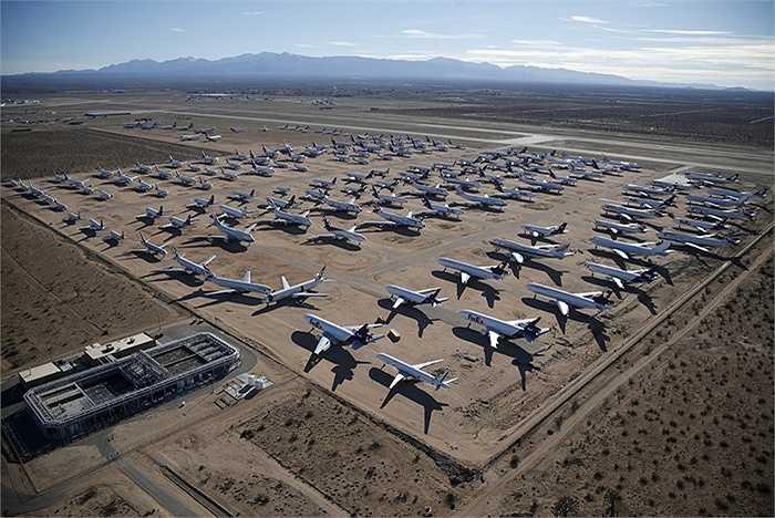Ở  Mỹ có một 'nghĩa địa' máy bay ở Victorville, California. Nơi đây tập trung những chiếc máy bay đã qua sử dụng và nay không còn được dùng để vận tải hành khách