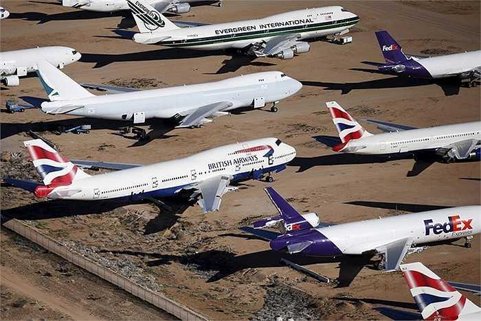 Có khoảng 11 nơi để máy bay đã cũ, hết hạn sử dụng như thế này ở Mỹ.