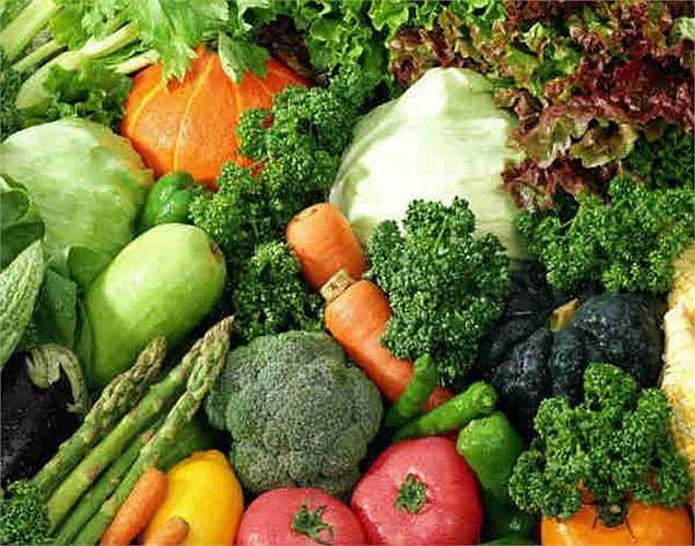 Rau củ: cung cấp protein và vitamin. Việc ăn rau củ quả hàng ngày giúp duy trì huyết áp ổn định.