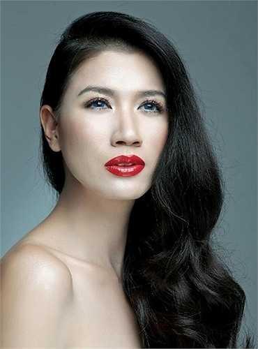 Vài năm về trước, làng mẫu Việt  'dậy sóng' khi Trang Trần lên báo tố cáo việc đại đa số người mẫu Việt sống dựa vào nghề bán dâm.