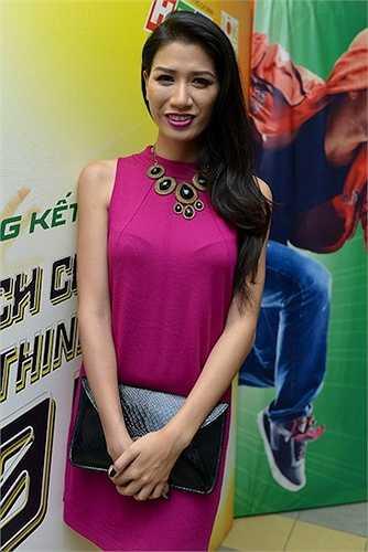 Sau Trang Trần, Võ Hoàng Yến là người tiếp theo phát ngôn về 'chân dài' bán dâm.