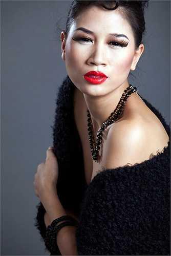 Trang Trần công khai tố cáo các người mẫu bán thân để ăn diện, mua nhà, mua xe.