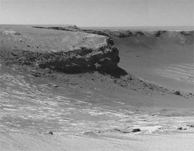 Hình ảnh chụp mỏm đá có tên Cape Verde trên sao Hỏa