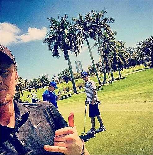 Chơi môn thể thao dành cho giới nhà giàu - chơi golf