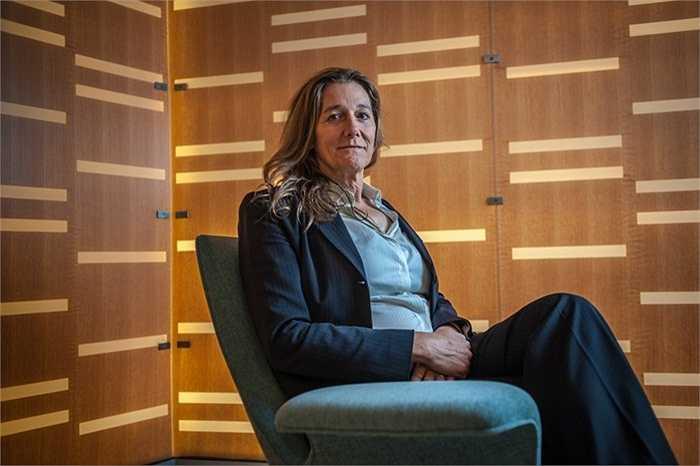 Martine Rothblatt - 39 triệu USD mỗi năm. Martine Rothblatt là CEO của Tập đoàn United Therapeutics. Bà đã có 5 mặt con trước khi phẫu thuật chuyển giới thành phụ nữ như hiện nay