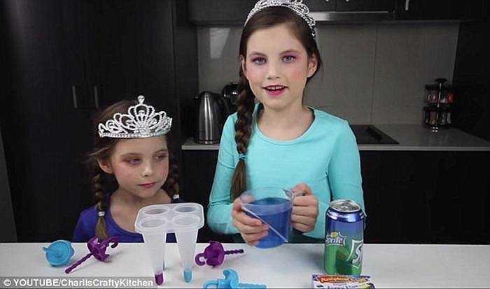 Kênh Youtube của cô bé tài năng này đã đánh bại kênh Youtube của gia đình đầu bếp nổi tiếng Jamie Oliver. Theo thống kê, kênh của gia đình Jamie chỉ kiếm đuợc hơn 32.000 USD/tháng