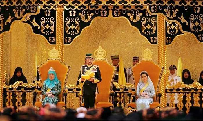 Quốc vương Brunei Hassanal Bolkiah là một trong những người giàu nhất thế giới.