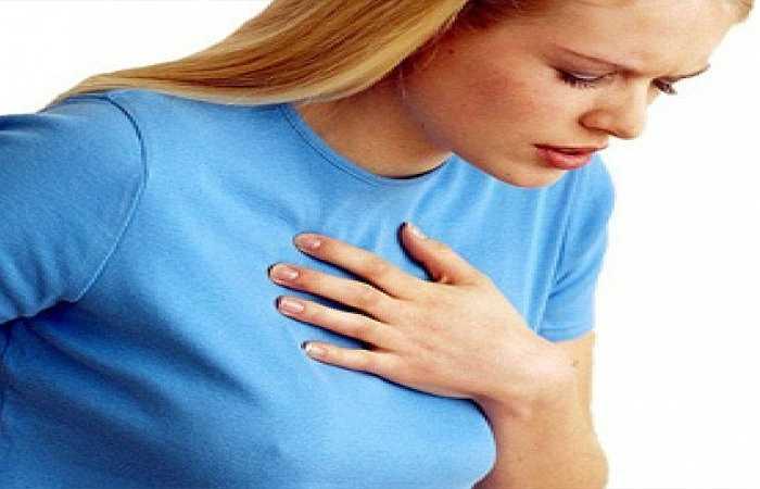 Tốt cho bệnh tim mạch: Nếu bạn bị bệnh tim hoặc đơn giản bạn muốn duy trì sức khỏe tim mạch, thì nên ăn dưa hấu. Dưa hấu chứa một chất chống oxy hóa được gọi là lycopene làm giảm viêm các mạch máu dẫn đến đột quỵ tim. Nó cũng làm giảm huyết áp cao và bệnh tiểu đường - hai căn bệnh được cho là thủ phạm lớn nhất của những cơn đau tim và đột quỵ.