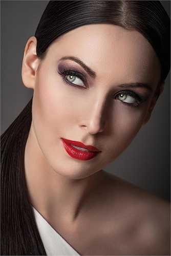 Hoa hậu Hoàn vũ Natalie Glebova giành Miss Grand Slam năm 2006