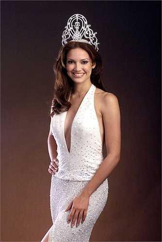 Denise Quiñones năm 2001