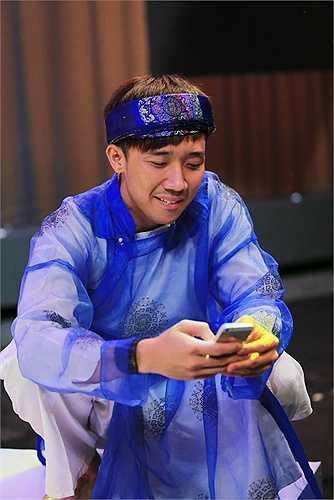 Ý kiến này của anh đã gặp sự phản bác mạnh mẽ từ nhạc sĩ Đức Huy và danh hài Tấn Beo bởi Tấn Beo cho rằng những ca khúc này phù hợp với tiết mục, ít ra là phù hợp hơn những ca khúc của Trấn Thành.
