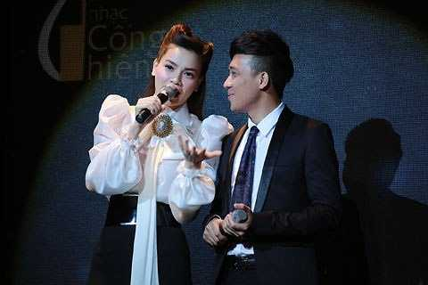 Trong lúc giám khảo Quyền Linh nhận xét hai thí sinh Đức Bảo và Hoàng Oanh 'Rút kinh nghiệm nếu thi lần hai', Trấn Thành liền cướp lời 'Nếu nói lần hai là rớt rồi, anh chúc hay quá'