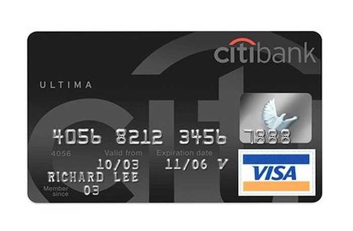 Citibank cung cấp khóa học golf hàng đầu thế giới và bạn có thể chọn lựa học bất cứ khi nào. Điều quan trọng, bạn sẽ không phải cần trả tiền bởi Citibank sẽ thanh toán. Thậm chí, bạn có thể dùng thẻ này để đi chơi du thuyền trong một ngày.