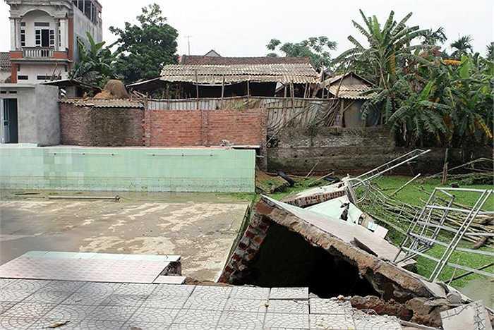 Vụ tai nạn xảy ra khoảng 16h ngày 18/4 tại thôn Cung Thượng, xã Bình Định, huyện Yên Lạc, tỉnh Vĩnh Phúc.