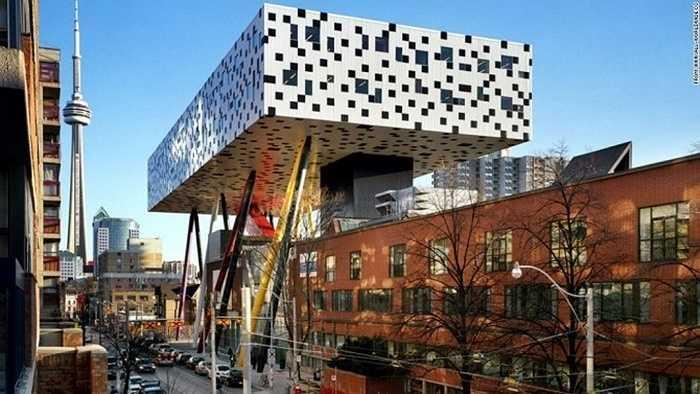 Trung tâm thiết kế Sharp, Canada: Tòa nhà thuộc Đại học thiết kế nghệ thuật Ontario với kiến trúc độc đáo và màu sắc ấn tượng.