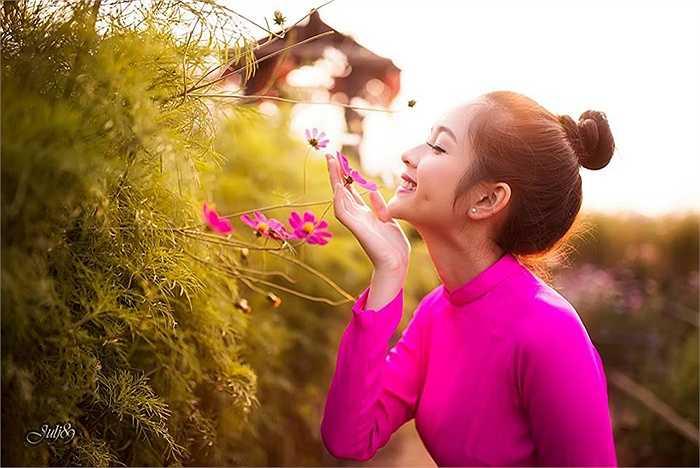 Trong cuộc sống, Ngọc Ánh được bạn bè nhận xét có tính cách hiền lành, hay cười và hòa đồng.