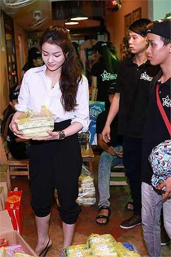 Được biết năm 2008, Thủy Top nổi lên là một hot girl đình đám của thủ đô Hà Nội.