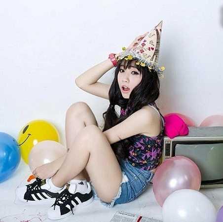 Cô bạn Phạm Thanh Huyền, sinh ngày 15-4-1998, hiện là học sinh lớp 11b18 trường THPT Phú Nhuận, TP Hồ Chí Minh.