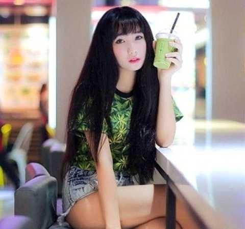 Việc kinh doanh, buôn bán cũng giúp cô nàng phần nào về kinh tế, với mỗi tháng thu nhập, Thanh Huyền cho biết cô bạn không phụ thuộc cũng như không phải xin tiền bố mẹ mà có thể tự lập.