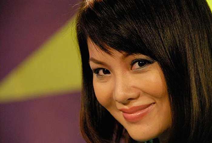 Bẵng đi một thời gian làm sản xuất chương trình, Bạch Dương bất ngờ tái xuất với vai trò MC của chương trình Ngôi sao ước mơ. Cô khiến nhiều người bất ngờ bởi vẻ ngoài trẻ trung, xinh đẹp.