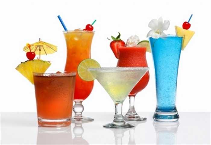 Nước ngọt có ga thường chứa hàm lượng đường nhân tạo khá cao. Chất này được cho là có thể gây tổn hại cho các tế bào trung tính trong cơ thể, làm cho khả năng phòng bệnh giảm đi đáng kể.