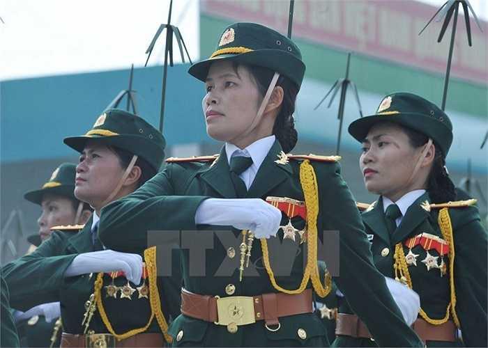Lực lượng nữ bộ đội thông tin tham gia buổi hợp luyện. (Ảnh: Trọng Đức/TTXVN)