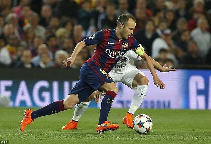Iniesta bị chỉ trích vì có quá ít bàn thắng và đường kiến tạo ở mùa này nhưng đến giai đoạn cuối mùa giải, có vẻ anh đã tìm lại phong độ thường thấy