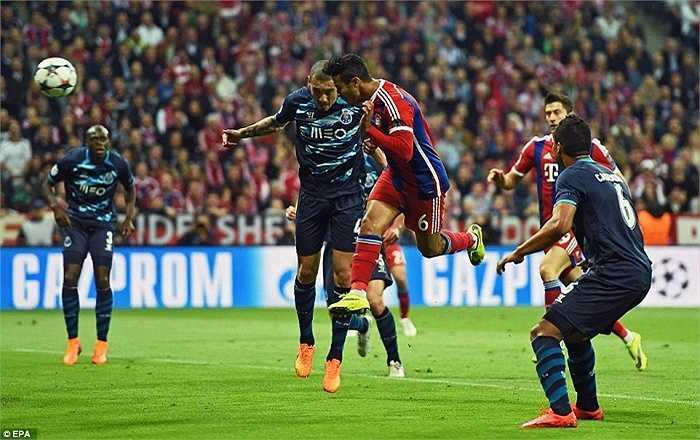 Bayern Munich thua 1-3 ở lượt đi và rất ít người nghĩ họ có thể làm nên điều kỳ diệu ở lượt về