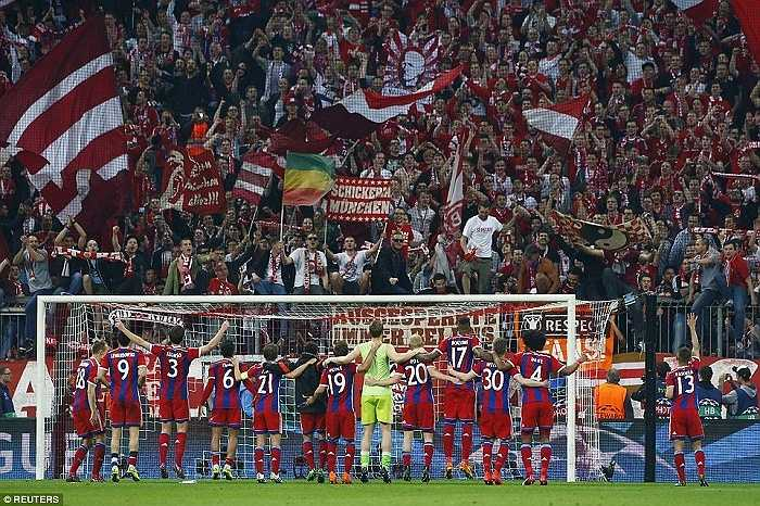 Trong 100 trận đấu này, Pep có 79 chiến thắng, 10 hòa và 11 thất bại; 265 bàn thắng, và chỉ thủng lưới 69 lần. Pep đã cùng Bayern có đến 4 danh hiệu