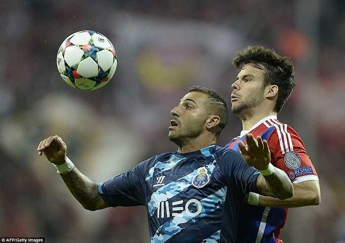 Ở Champions League, trước những đối thủ đẳng cấp như Bayern Munich, điều khủng khiếp nào cũng có thể xảy ra