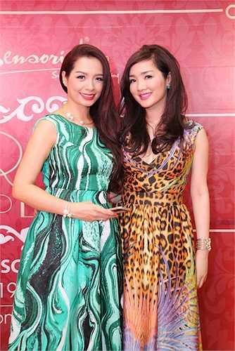 Tại đây, cô đã có dịp hội ngộ với cựu người mẫu Thuý Hạnh.