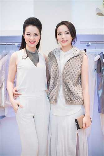 Dù diện trang phục hàng hiệu trăm triệu, nhan sắc Kỳ Duyên vẫn không sánh được với khuôn mặt khả ái cùng gu thời trang tinh tế của Á hậu Thụy Vân.