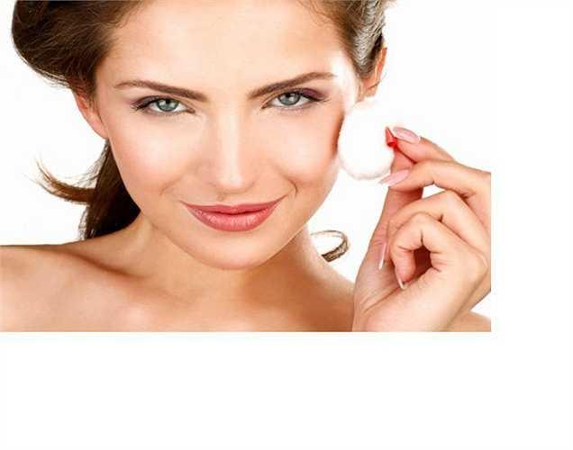 Trị tàn nhang: nhóm hoạt chất Isoflavone có trong củ sắn dây có hoạt tính Estrogen, là chất chống oxy hóa, làm chậm quá trình lão hóa trong cơ thể.