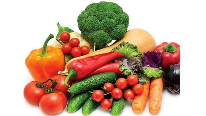 Không được rửa trái cây và rau bằng xà phòng hay nước ngâm rửa, nước súc miệng: Điều này sẽ chỉ gây hại hơn cho thực phẩm vì nó có thể xâm nhập qua lớp vỏ trái cây và rau nhiều hơn.