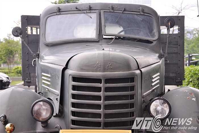 Chiếc xe này đã có hàng nghìn chuyến lái xe an toàn, hàng trăm lần vượt trọng điểm, trong đó có hàng chục lần dưới những trận bom B-52…