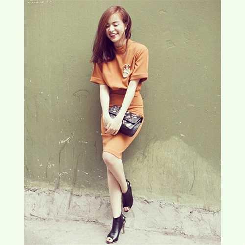 Hoàng Thùy Linh ngày càng tạo được ấn tượng với phong cách thời trang tinh tế.
