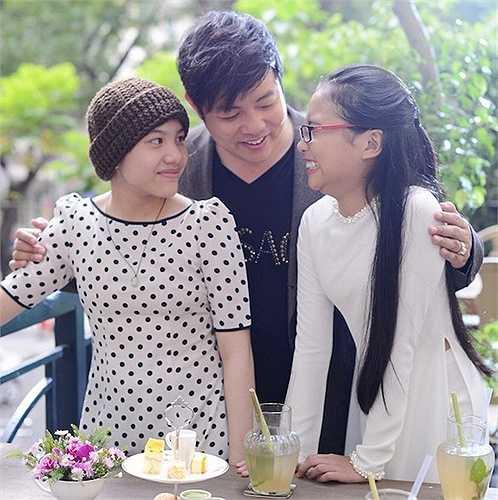 Giấy tờ chứng nhận Huyền Trân làm con nuôi được nam ca sĩ gốc Huế hoàn thành vào 18/3 vừa qua. Nam ca sĩ sẽ hỗ trợ cho giọng ca nhí chuyên hát nhạc Trịnh phát triển sự nghiệp ca hát. .