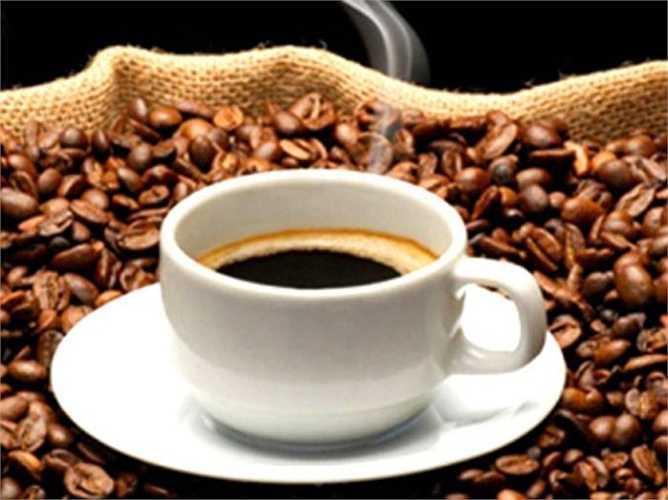 Nếu lạm dụng cà phê uống quá nhiều nó sẽ ảnh hưởng đến tuyến thượng thận, bắt buộc tuyến thượng thận phải làm việc nhiều, quá sức ảnh hưởng đến cả hệ thống tiêu hóa.