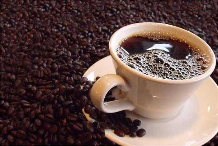 Các chuyên gia nghiên cứu phát hiện ra rằng, những phụ nữ uống nhiều cà phê mỗi ngày dễ mắc chứng vô sinh hơn những phụ nữ không uống hoặc uống ít cà phê mỗi ngày.