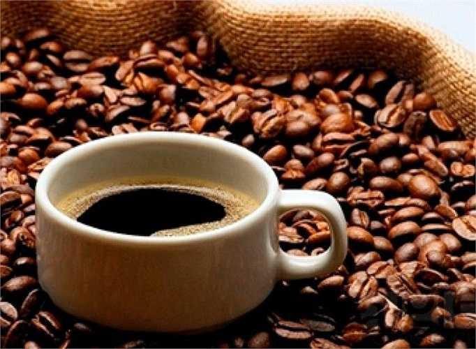 Tăng nguy cơ nhồi máu cơ tim: Theo nghiên cứu của các nhà khoa học, phụ nữ uống nhiều cà phê mỗi ngày sẽ khiến cho nguy cơ nhồi máu cơ tim của phụ nữ tăng khoảng 70%, uống càng nhiều nguy cơ mắc bệnh càng cao.