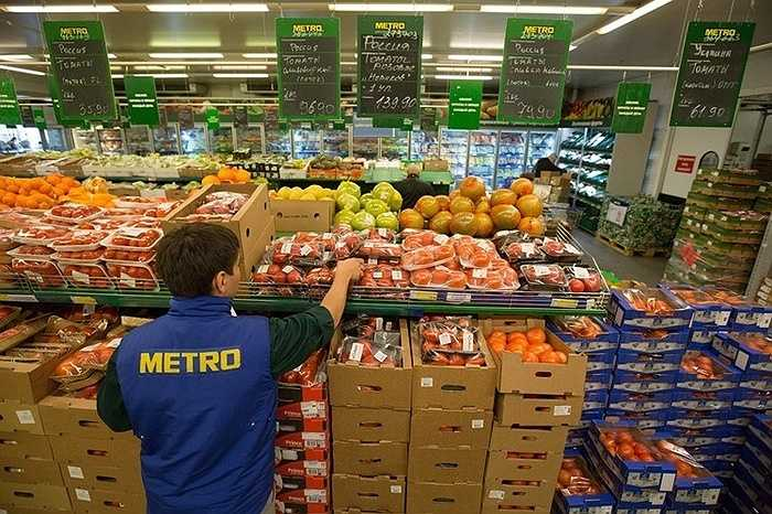 Mỗi ngày, có hơn 110.000 nhân viên của các trung tâm Metro trên toàn thế giới vẫn tận tụy phục vụ gần 21 triệu khách hàng.