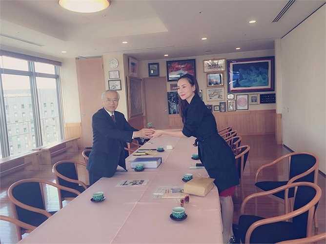 Trong lúc đó, Dương Yến Ngọc vẫn khá bình thản sang Nhật để lo học kinh doanh lĩnh vực chăm sóc sắc đẹp.