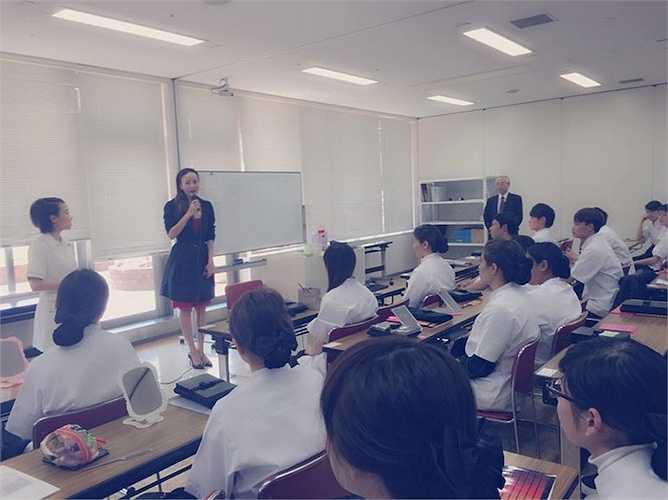 Sau một thời gian nghiên cứu và tìm hiểu thị trường, bà mẹ hai con đã quyết định chọn Nhật Bản làm điểm đến để sang học 'bí kiếp' kinh doanh lĩnh vực chăm sóc sắc đẹp.
