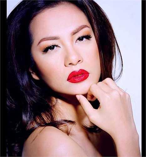 Ngọc Thúy là một cựu siêu mẫu, từng rất nổi tiếng trên sàn catwalk Việt những năm 2000.